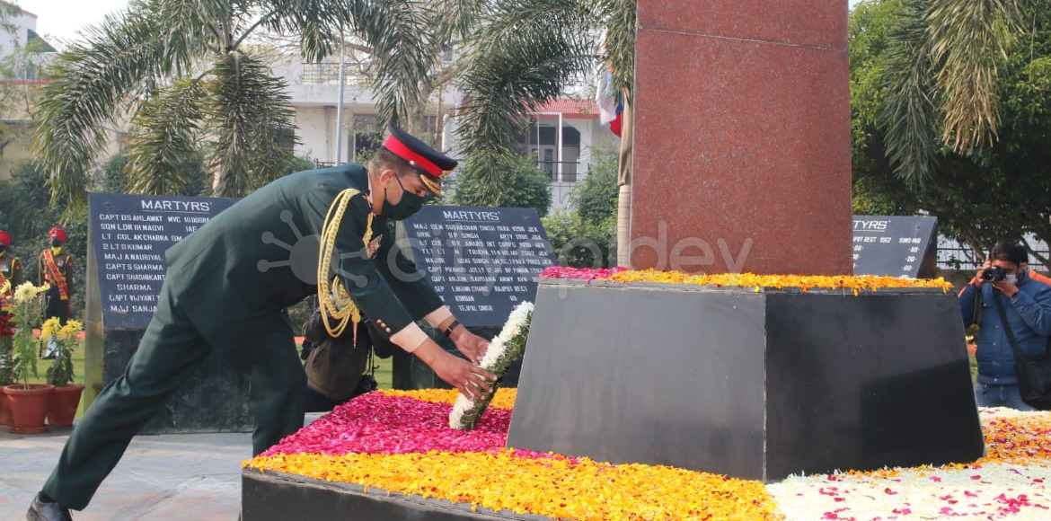 Vijay Divas celebrated at Shaheed Smarak in Noida