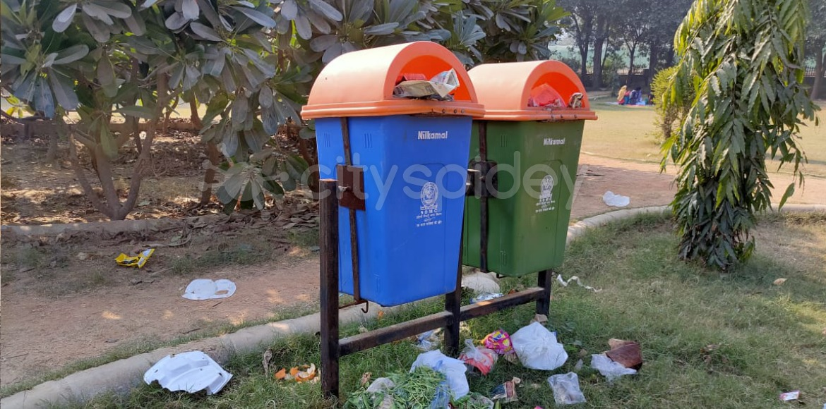 No regular cleaning of garbage from parks in Dwarka