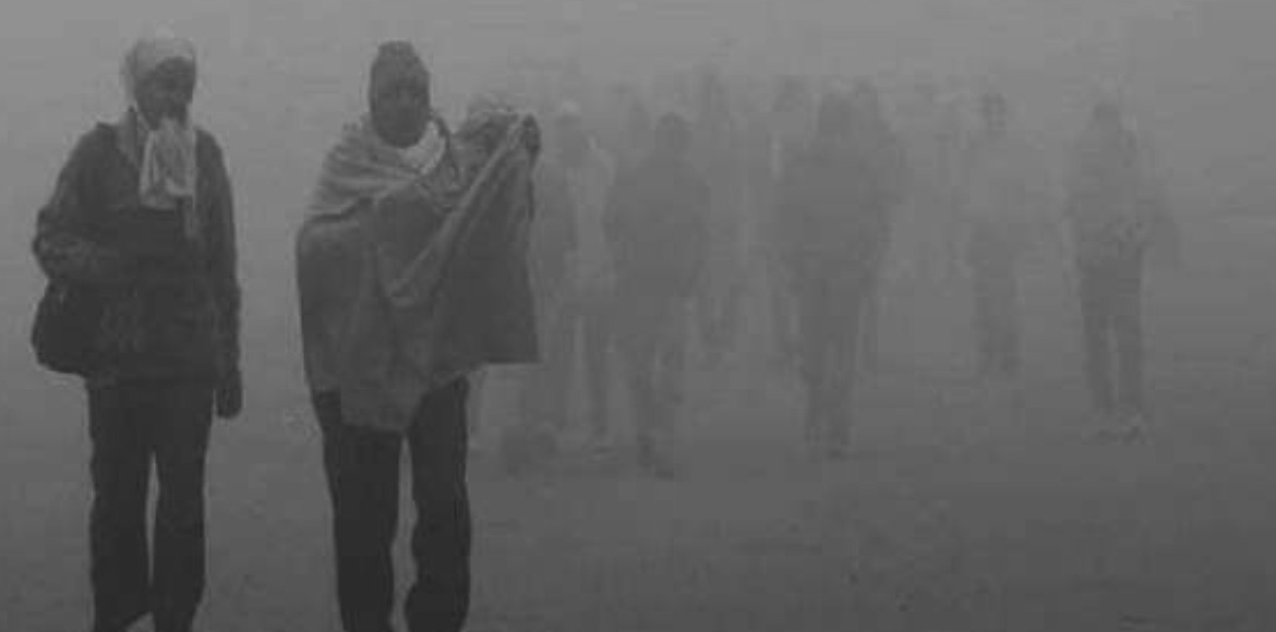 Cold wave in Delhi as minimum temp drops to 3.2 degrees Celsius