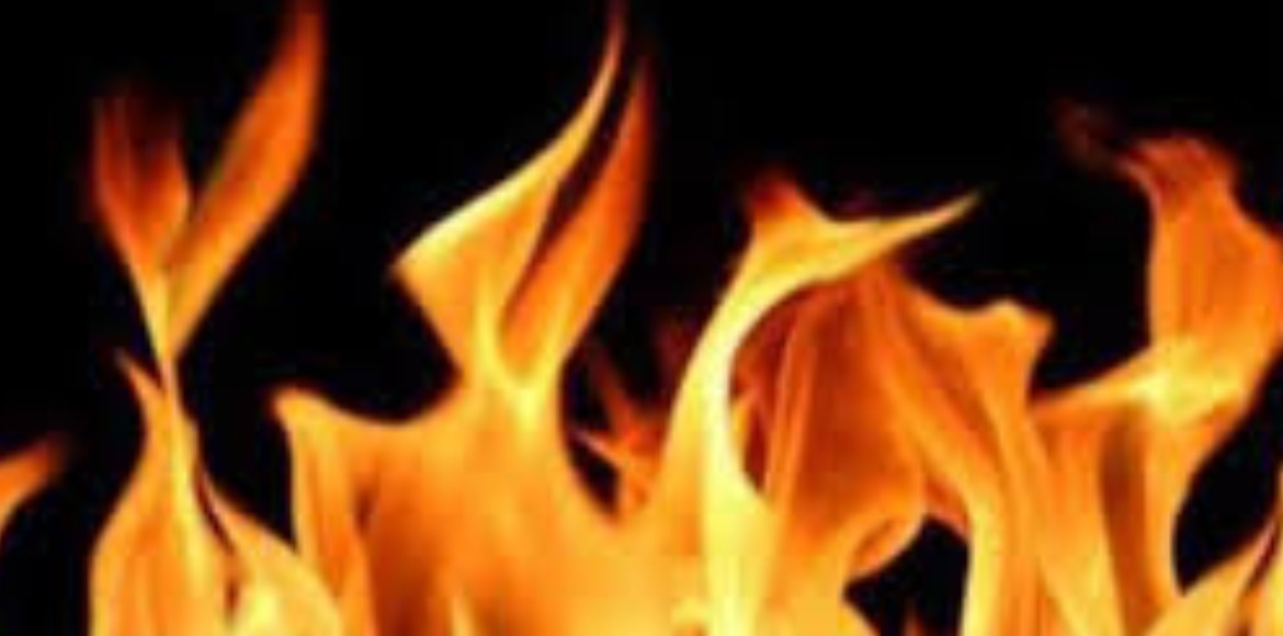 Massive fire breaks out at Ghazipur Dairy Farm are