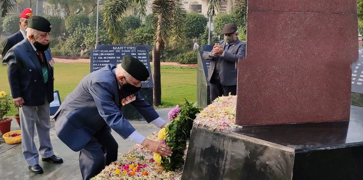 Republic Day: Floral tributes paid to martyrs at Noida Shaheed Smarak