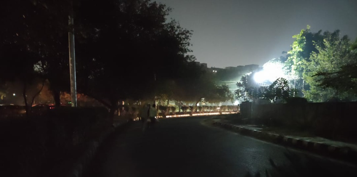 Dwarka: Road stretch remains complete dark in Sec