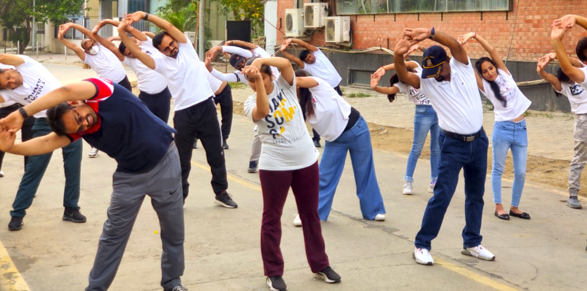 World Health Day: SIPL group grooves and stretches