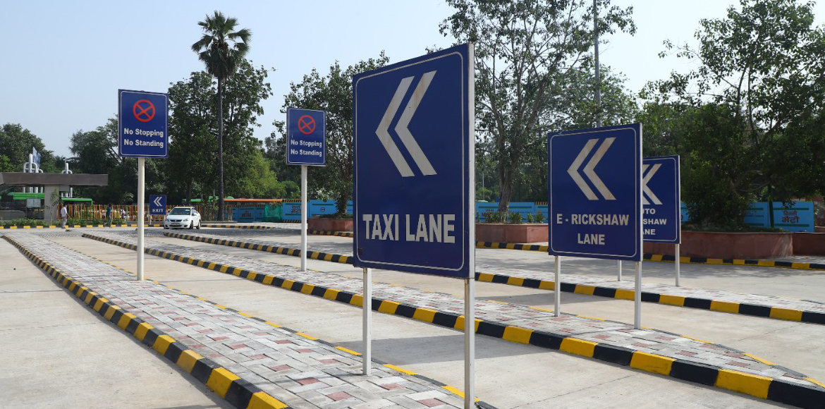 Cashless parking facility launched at Kashmere Gat