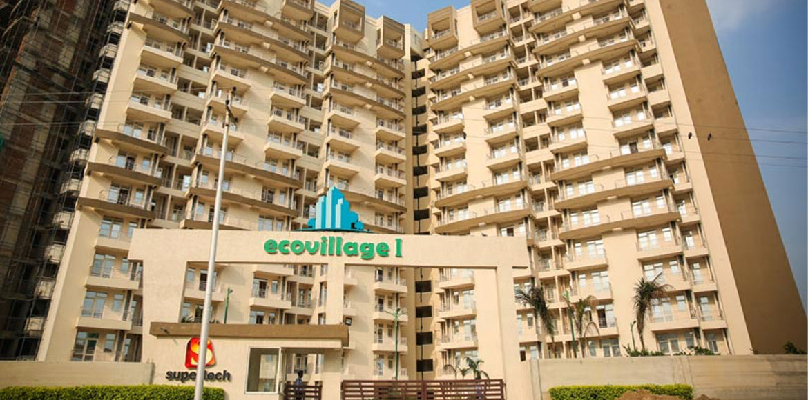 Residents protest against power issues at Supertech Ecovillage-1
