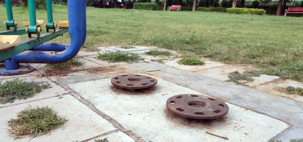 Dwarka: Ill-maintained park in Sector 14