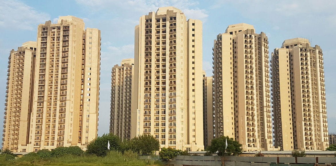 Noida Authority plans mediation meetings with buil
