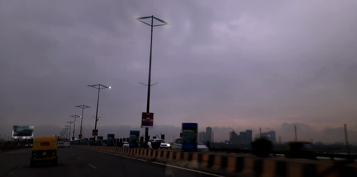Dysfunctional street lights at DND highway causing hitch to commuters