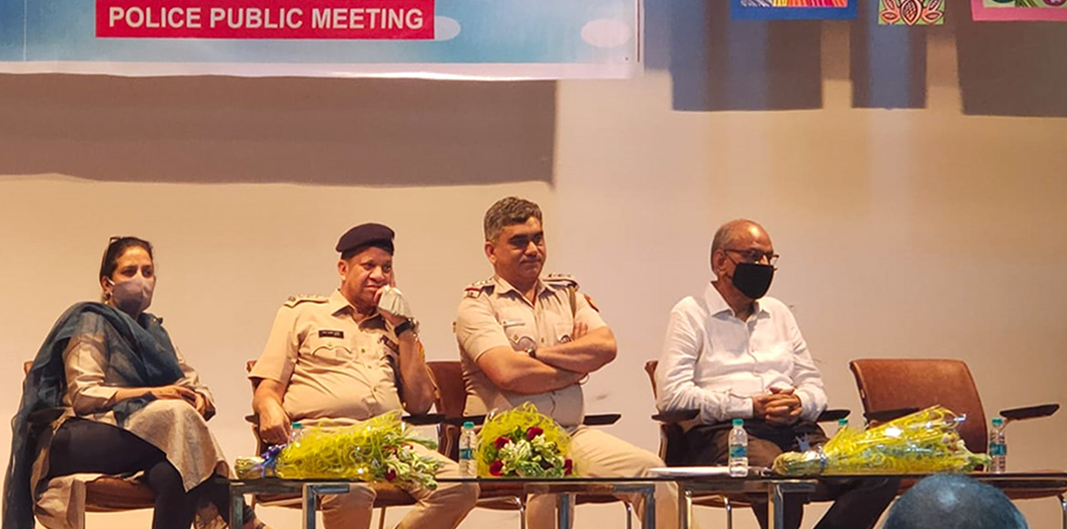 RWAs meet police to discuss issues prevalent in Dw