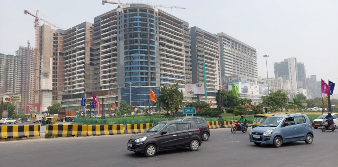 GreNo West: Underpass at Char Murti roundabout in
