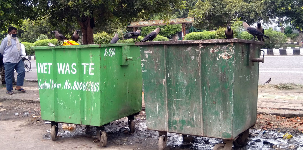 Clean Indian Mission on toss: It's garbage everywhere in Dwarka's Sector 10