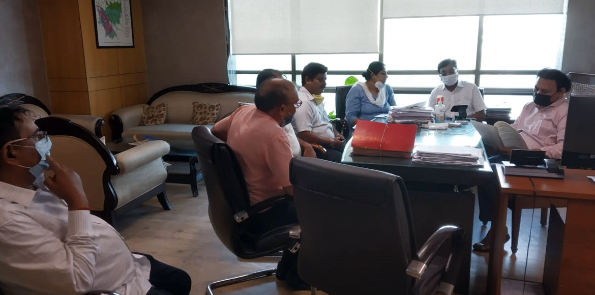 Devika Gold Homz: GreNo Authority conducts tri-party meeting