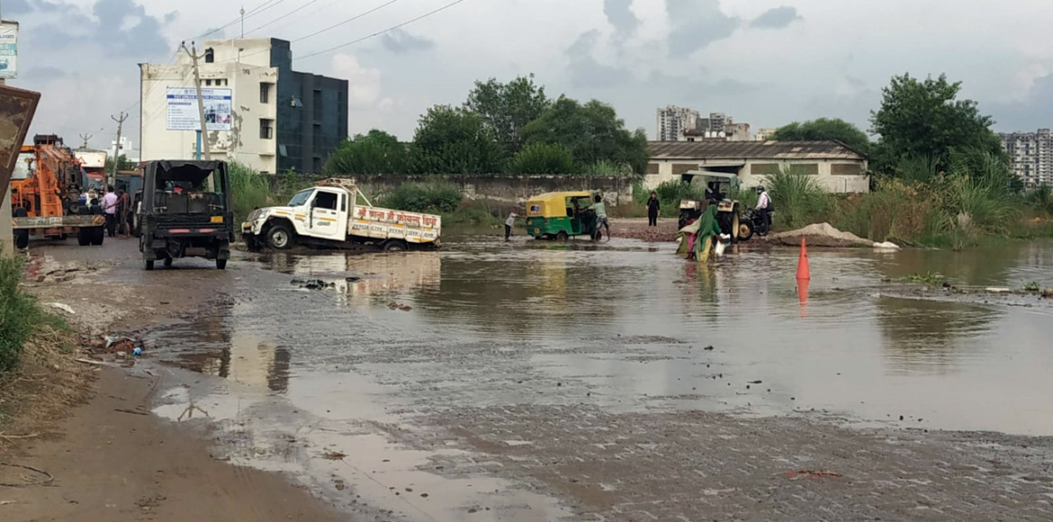 Gurugram: Lack of road throws life out of gear at