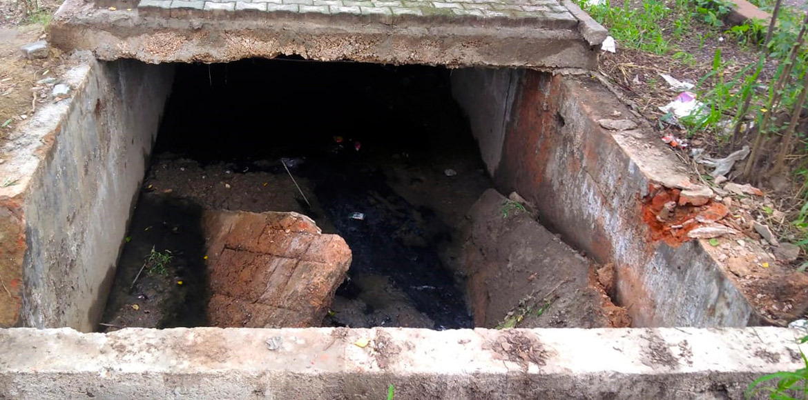 Dwarka: Missing storm drain covers act as a threat to Sec 7 residents