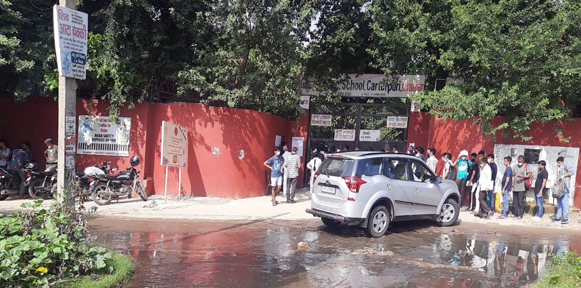 Gurugram: Choked, overflowing sewer lines affect life in Sec 23A