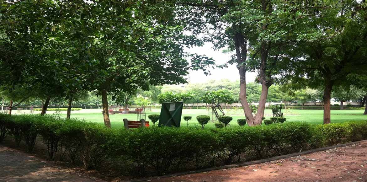 MLA recommends transfer of park maintenance to RWAs in a letter