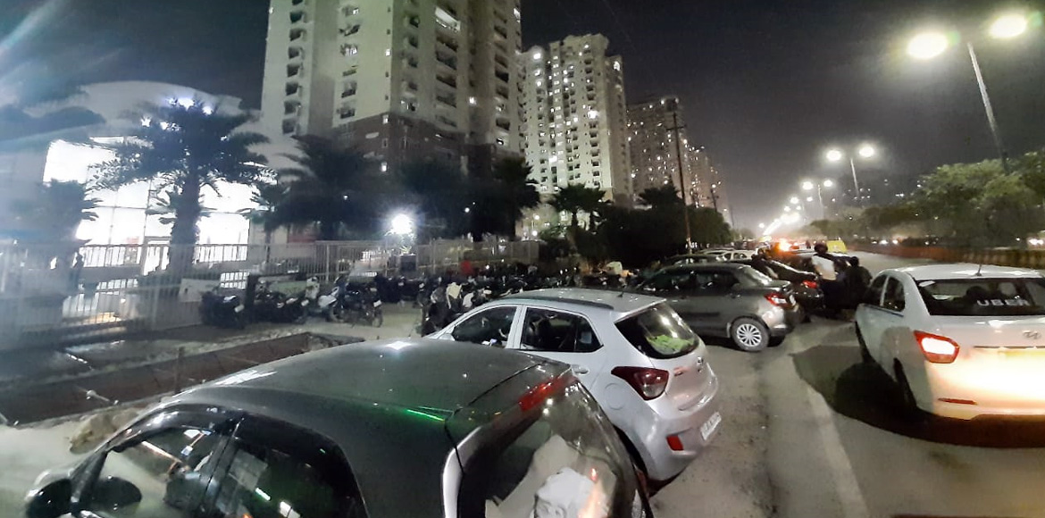 Noida's 7x sectors' residents wrestle with parking issues