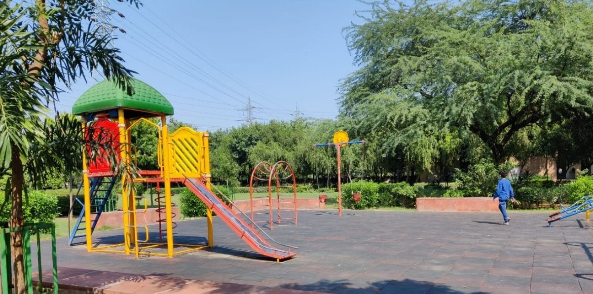 Dwarka: Pleasant weather boosts fitness enthusiasts at Sector-11 park