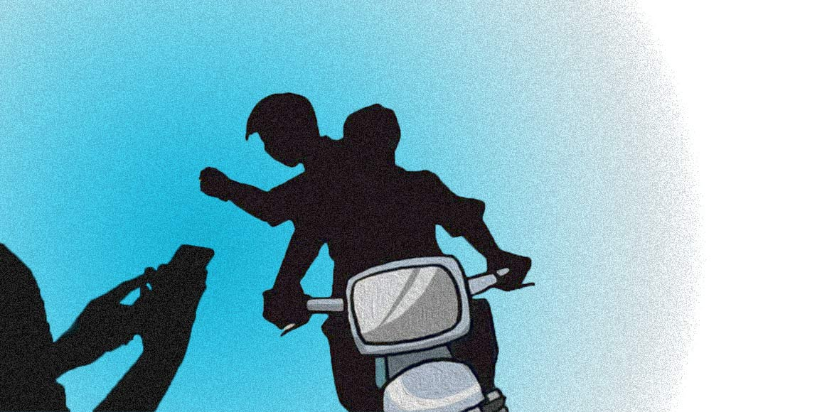 Cyclists complain frequent snatching attempts