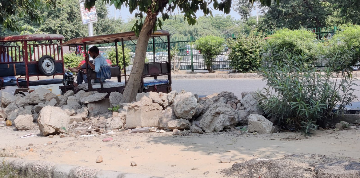 No walk possible on these Dwarka footpaths