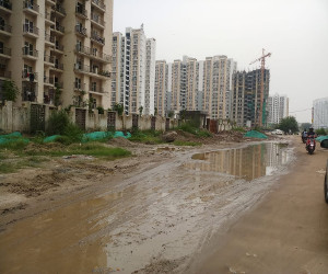Noida: Residents of high-rises of sector 75 living in low standards